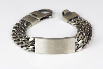 bracciale in argento 925 con grumetta e targhetta