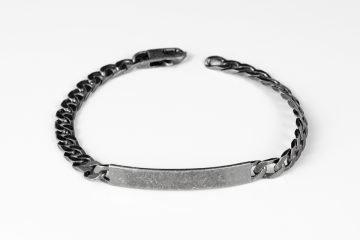 bracciale da uomo in argento 925 martellato con targhetta e grumetta